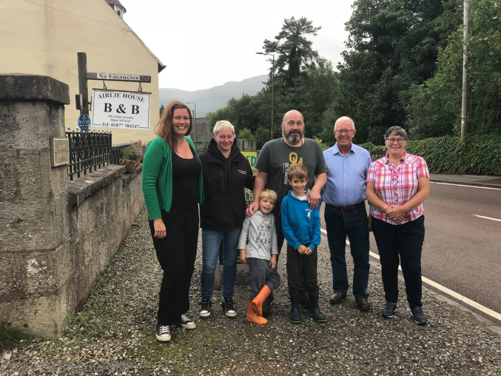 Bruce Crawford MSP with local campaigners in Strathyre